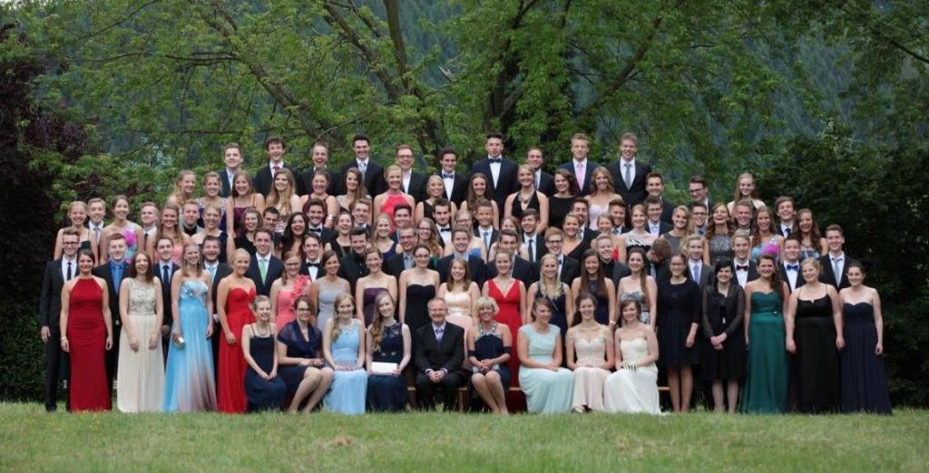 Die Abiturientia 2015 beim festlichen Gruppenbild. Foto: Gottschlich